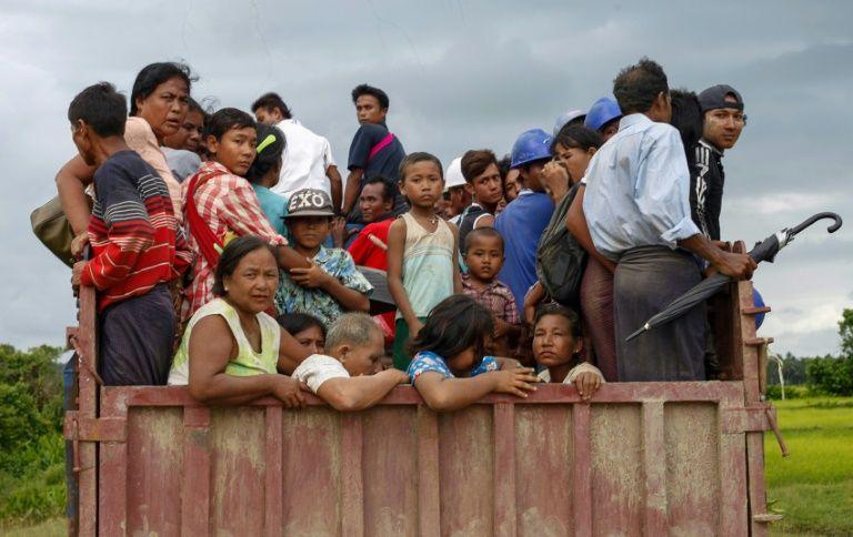 Image result for rohingya people flee myanmar to bangladesh