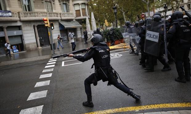 catalan-referendum-police