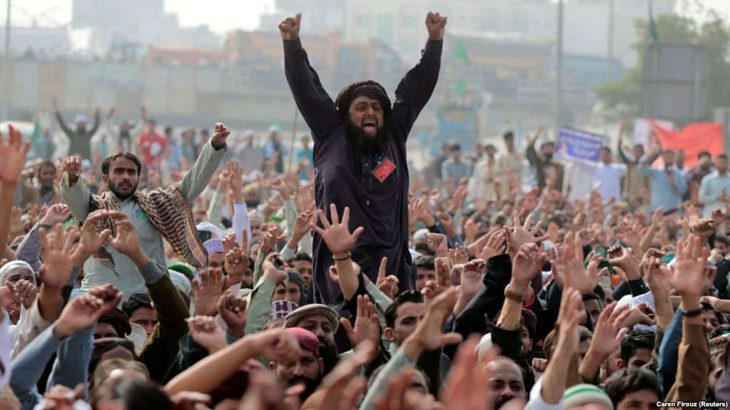 Pakistan's Capital Paralyzed as Hardline Religious Group ...