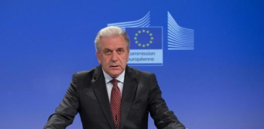 Dimitris Avramopoulos European Comission Syrian refugees