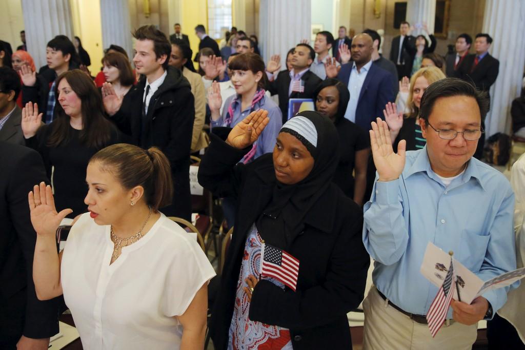 Immigrants citizenship ceremony oath America