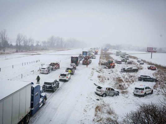 iowa, car pileup, snowy highway