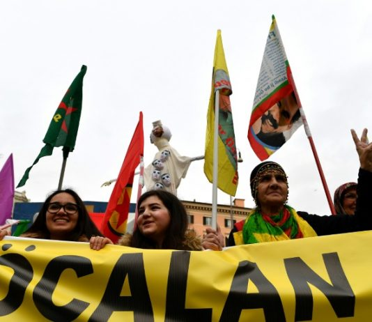 Kurds rally in France
