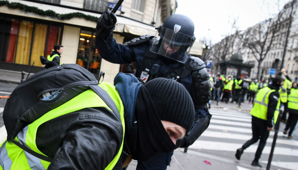 Police Brutality Against France's Yellow Vests Risks More than Eye for Eye
